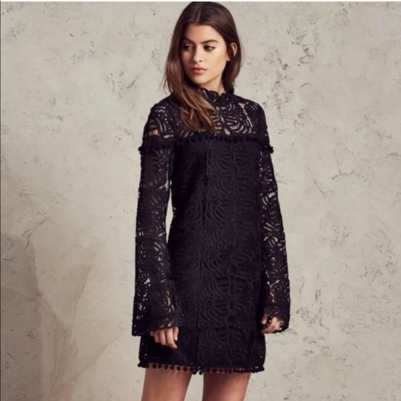 Tularosa Dresses & Skirts - Tularosa Black Lace Matilda Shift Dress Bellsleeve